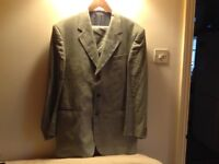5 MENS' SUITS. 4 x 100% LINEN. MADE IN ITALY. ONE BEATLES TYPE SUIT.