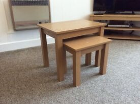 Fantastic oak effect nest of tables!