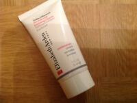 ELIZABETH ARDEN VISIBLE DIFFERENCE SKIN BALANCING EXFOLIATING CLEANSER. 30 ML.