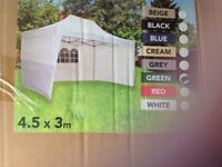 Pop up Gazebo 3mts x 4.5mts colour green,just purchased but never used