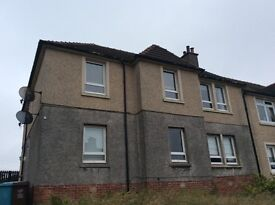 3 bedroom lower flat Gartness Airdrie. Garden front and back, parking at front,