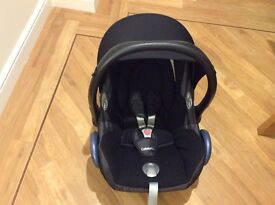 Maxi Cosi Cabriofix and Maxicosi Family Fix Base