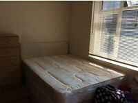 Double Bed room at Mile End Rent £750 / monthly