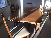 G Plan wooden dining table and 6 matching chairs