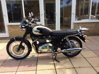 TRIUMPH BONNEVILLE T100, 2010, 865cc, ONLY 6484 MILES FROM NEW