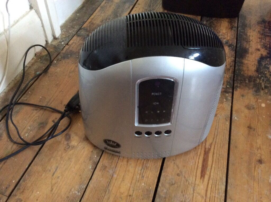 Air purifierin Sunbury on Thames, SurreyGumtree - Air purifier in good condition 3 speeds L M H Timer 2 4 8 Please note No remote control Cash on collection please
