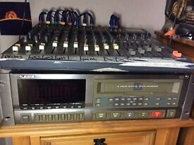 8 TRACK RECORDER FROM ALESIS