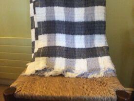 Grey/blue cotton throw 150 x 200
