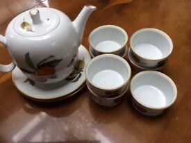 Royal Worcester Evesham Original Teapot with 7 Ramekins and 2 Side Plates