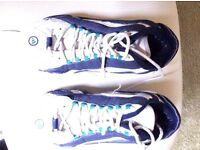 Adidas size 6 basketball boots / trainers