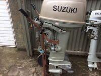 Suzuki DT30 outboard engine