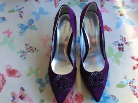 Ladies Shoes size 6, Damson / Purple With Matching Bag .