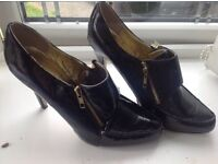 Moda in pelle black patent shoes boots Size 7