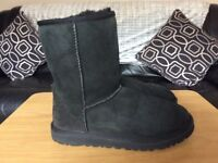 Black ugg boots size 4