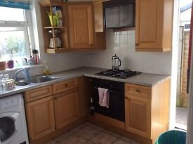 Fully furnished room available in a 3 bedroom houseshare in Roath.