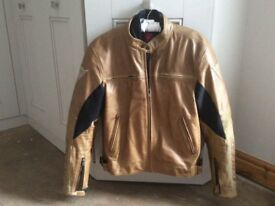 """Dainese tobacco brown men's leather bike jacket, size 42"""" chest"""