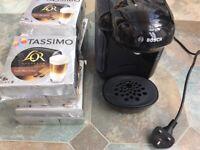 Bosch Black Tassimo Coffee Machine & 32 Latte Macchiato Espresso Pods