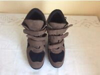 Worn once festival boots size 5