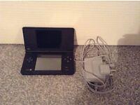 2 x Nintendo Dsi consoles & 6 games.