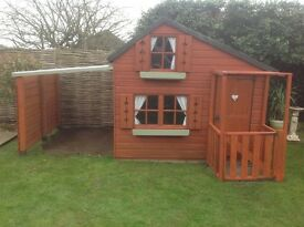 Lovely Large play house with car port & porch