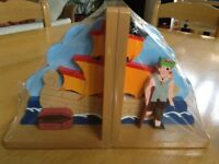 Wooden Bookends in 3 colourful designs for children's bookcase ( NEW )