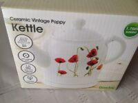 Poppy ceramic kettle, hardly used, excellent condition