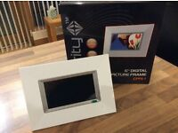 "6"" digital photo frame"