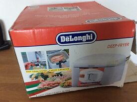 De Longhi deep fat fryer . Used but in good condition.