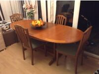 Gorgeous large extending maple effect dining suite - ideal for entertaining!!!!