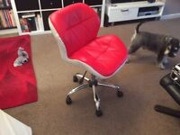 Office type swivel chair. Height adjustment. Red/white