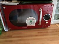 Daewoo KOR8A9RR Compact Retro Styled Microwave Oven in red