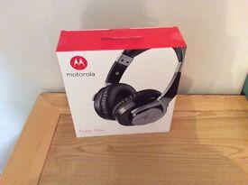 Motorola Pulse Max headphones.