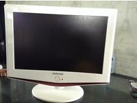 White Samsung 19inch full working order