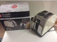 Russell Hobbs Legacy 2-Slice Toaster 21292 - Cream New in Box