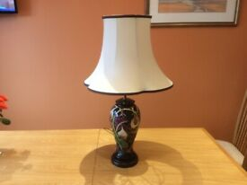 """MOORCROFT """"QUEENS CHOICE """"Table Lamp"""