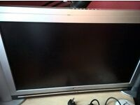 "32"" Medion TV - Red tint on image"