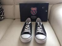 TRAINERS MENS SIZE 10