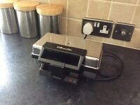 **VINTAGE** BREVILLE SANDWICH TOASTER. IN EXCELLENT CONDITION.