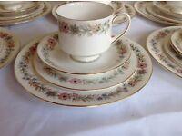 Vintage Paragon 'Belinda' pattern tea service for 12 settings