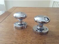 Chrome door knobs - 3 pairs