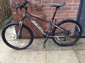 CARRERA VENGEANCE MOUNTAIN BIKE. EXCELLENT CONDITION.