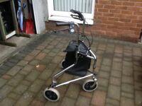 Three wheeled mobility shopping tripod