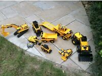 JOB LOT OF TOY 'CAT' DIGGERS AND LORRIES SOME REMOTE CONTROL