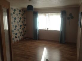 2 double bedroom flat.BONNYTON /. Half price first mths rent.