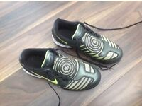 Nike size 5 Astro turf football boots