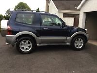 Mitsubishi Shogun SWB 3.2 DID Equippe Manual - Navy / Silver