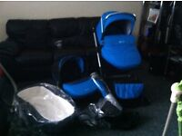Silvercross Wayfarer Sky Blue Exc Condition comes with carrycot car seat buggy part + accessories