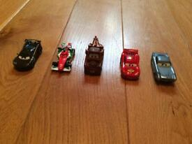DISNEY CARS - 5 CARS IN MINT CONDITION