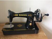 Excellent Condition Vintage 1960s SInger Sewing Machine NL model 15