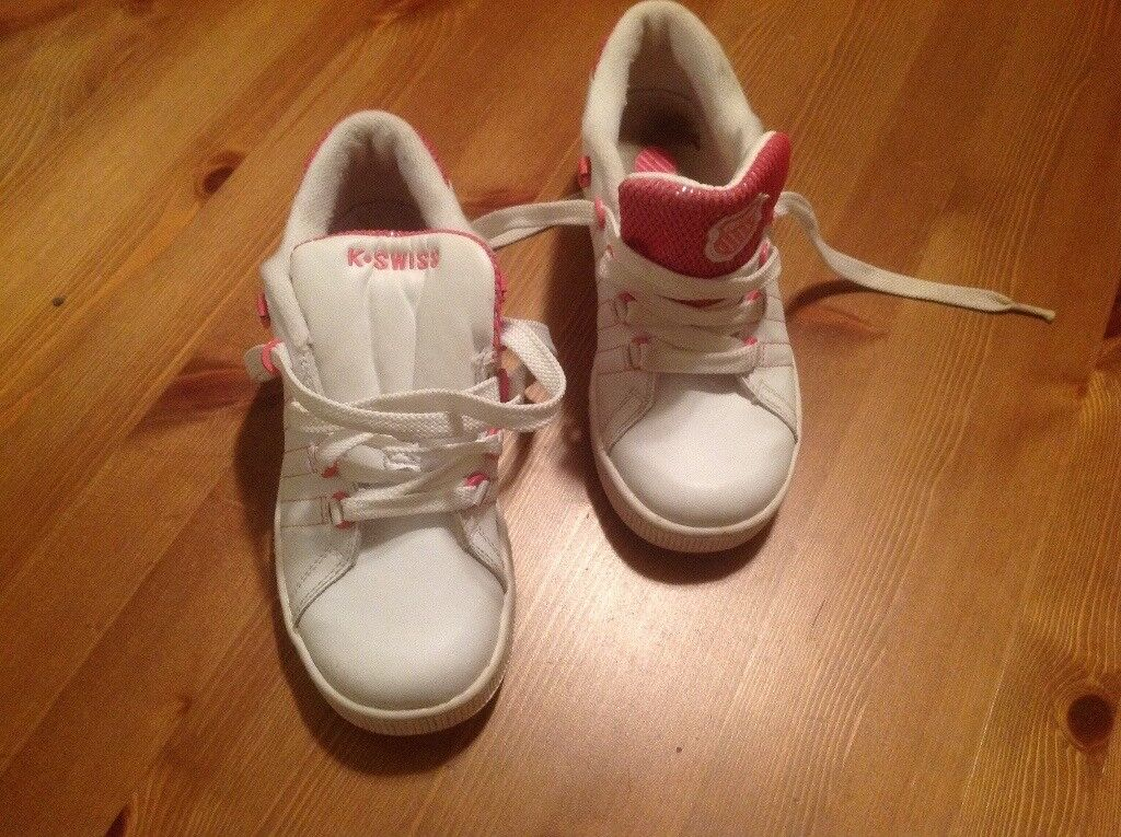 Girls Size 1 K.Swiss Trainers with twistable tongue